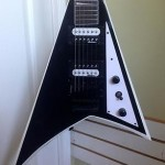 Jackson JS32 Rhoads Black w/ White Bevels w/ Floyd Rose Electric Guitar